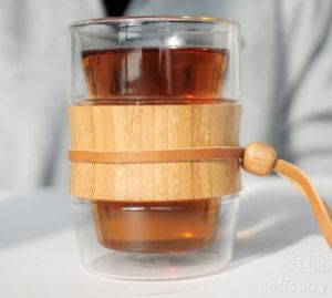 Double Wall Glass Cup with Bamboo Sleeve pictures & photos