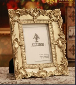 Resin Gift Photo Frame Home Decoration (JN10) pictures & photos