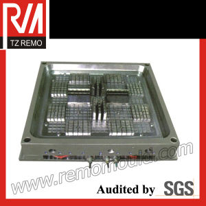 Well-Made PlaStic Injection Pallet Mould pictures & photos