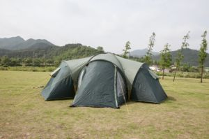 190t Polyester Double Layer Family Tent /Camping Tent (EFT-003) pictures & photos