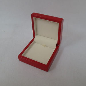 Glossy Lacquer Wooden Jewellery Box pictures & photos