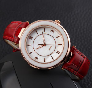 Genuine Leather Vogue Lady Fashion Watch pictures & photos