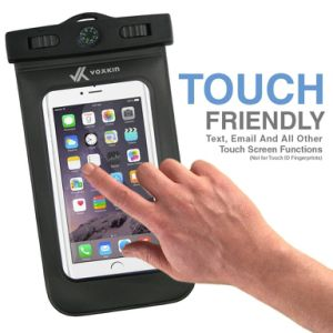 Ipx8 Universal Waterproof Dustproof Pouch Bag Case for Every Cell Phone Includes Free Armband Compass Lanyard pictures & photos