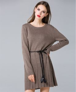 D11912 Winter Knitted Pullover Long Sweater Dress with Pleated Hem pictures & photos