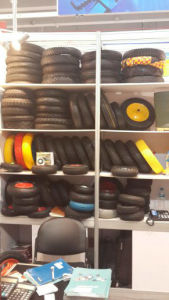 Colorful and Environmental PU 400-8 Rubber Wheel pictures & photos