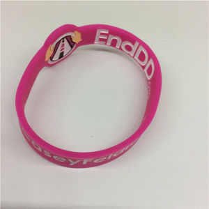 Eco-Friendly Deboossed Customized Promotional Gifts Silicone Wristband pictures & photos