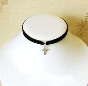 Black Velvet with Fashion Pendant Suede Choker (XJW13677) pictures & photos
