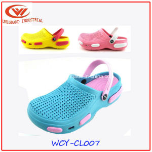 Summer Children Sandals Shoes Slippers Beach EVA Clogs for Boys and Girls pictures & photos