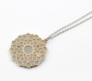 Double Layer Stainless Steel Flower Pendant Necklace pictures & photos