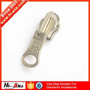Fully Stocked High Quality Plastic Zipper Puller pictures & photos