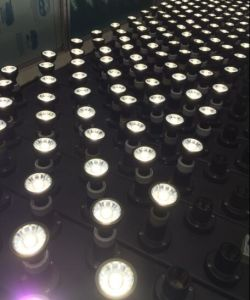 Euro Hot Selling 220-240V GU10 LED Spot Light 7W pictures & photos
