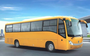 Dongfeng 10m 50 Seats Luxury Bus/City Bus pictures & photos