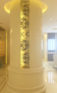 Nano Glass Pillar with Colored Sculpture pictures & photos