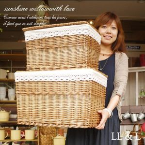 (BC-WB1023) High Quality Handmade Natural Willow Laundry Basket/Gift Basket pictures & photos