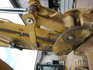 Hydraulic-Pump Used Crawler Caterpillar 325D Excavator-2005~2009 Used Large-Scale 0.5~1.5cbm/25ton pictures & photos