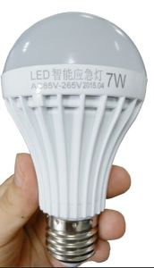 Rechargeable LED Bulb E27 7W Emergency Light LED Emergency Bulb pictures & photos