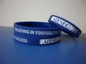 High Quality Customized Personalized Imprint Rubber Bracelets for Promotions