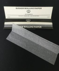 100% Pure Hemp Slowing Burning Cigarette Rolling Papers with Watermark pictures & photos