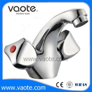 Double Handle Common Basin Faucet/Mixer (VT61803) pictures & photos