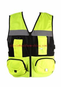 High Visibility Yellow Mens Safety Reflective Multi-Pockets Vest with Warp Knitting Fabric pictures & photos