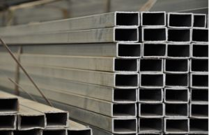 Hot Rolled Carbon Steel Pipe/Tube pictures & photos