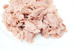 Light Meat Canned Tuna Chunk pictures & photos