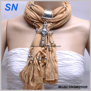 Diamond Cross Pendant Charm Necklace Scarf (SNSMQ1020) pictures & photos