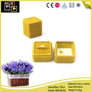 Hot Sale Velvet Ring Box (8034) pictures & photos