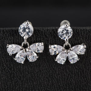 Fashion High Quality Women′s Clear Crystal Zircon CZ Stud Earrings Jewelry pictures & photos