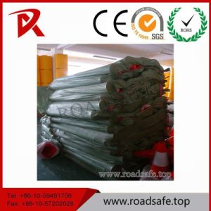 T-Top Recycled Plastic Bollard Road Guardrail Post Spring Delineator Post pictures & photos