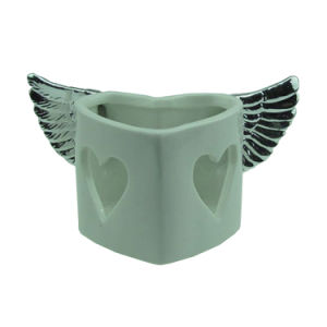 Heart Shaped Ceramic Tea Light Candle Holders for Valentine′s Day pictures & photos
