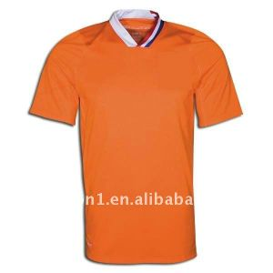 Whosale Cheap Blank 100% Polyester Sublimation Blank T Shirt Made in China pictures & photos