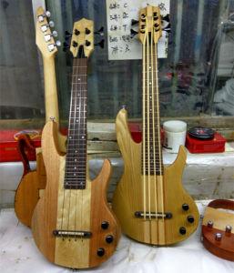 Aiersi Mini Guitar Ukulele Bass Electric Guitars pictures & photos