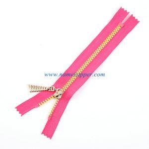 No. 5 Plastic Zipper Closed End Auto Lock Slider Golden Teeth pictures & photos