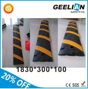 Road Safety Rubber 3 Foot Reflective Speed Bump pictures & photos
