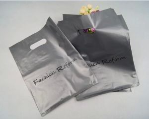 OEM Custom Printed Plastic Shopping Bag Carrier Bag Die Cut Plastic Bag pictures & photos