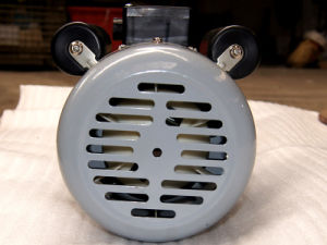 Y Series Three Phase Induction Outboard AC Electric Motor 220V pictures & photos