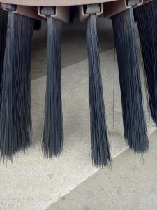 Hot Sales Gutter Brooms Road Sweeper Steel Wire Brushes pictures & photos
