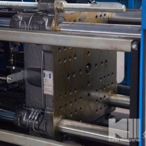 High Efficiency Energy-Saving Injection Molding Machine pictures & photos