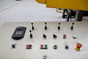 Rotation Angle Band-Sawing Machine for H-Beamsmodel (BS1250) pictures & photos