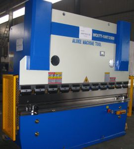 Hydraulic Press Brake (WC67Y 125T2500) pictures & photos