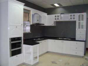 White Lacquer Kitchen Cabinets Design in Matt Finishes pictures & photos