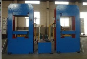 Solid Tyre Vulcanizing Machine, Tyre Making Machinery pictures & photos