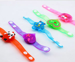 Cartoon Animals Glowing Silicone LED Bracelet for Promotion (4018) pictures & photos