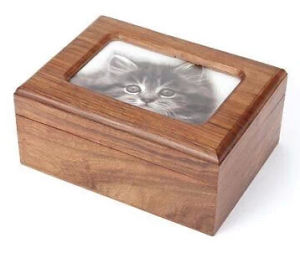 Simple Solid Wood Cat Urns with a Picture pictures & photos