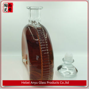 Delicate 750ml Crystal Glass Bottle Wine Bottle pictures & photos