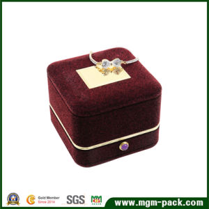 Custom Golden Edge Jewelry Box with Stone Button pictures & photos