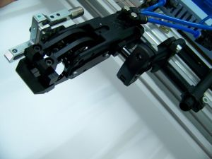 High Quality Pneumatic Gripper for Metal Sheet Stamping pictures & photos