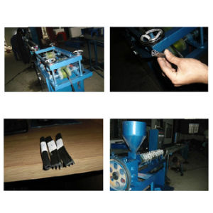 Flexible PVC Extruded Slot Strip Making Machine (SJ50/28) pictures & photos