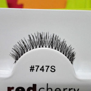 Red Cherry False Eyelash 16 Style Lady′s Cosmetic Eye Lashes Soft Comfortable Lifelike Makeup Eyelash pictures & photos